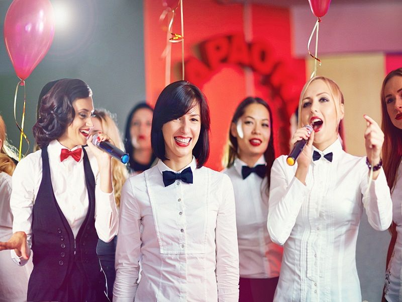Glee Hen Weekends